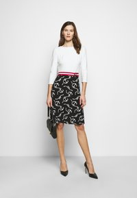 Lauren Ralph Lauren - PRINTED MATTE DRESS BELT - Day dress - black/col cream - 1
