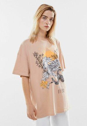 T-shirts print - camel