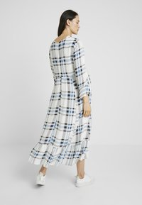 IVY & OAK Maternity - MIDI MATERNITY DRESS - Vestito lungo - snow white - 2