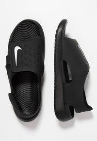Nike Performance - SUNRAY ADJUST 5 - Chodecké sandály - black/white - 0