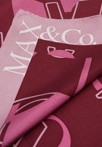 MAX&Co. - GLIDER - Chusta - purple - 3