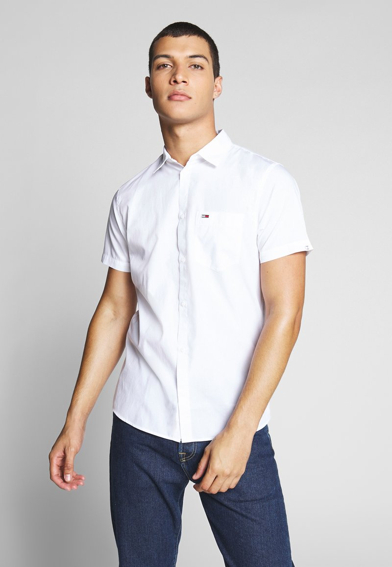 Tommy Jeans - SHORTSLEEVE SHIRT - Chemise - white