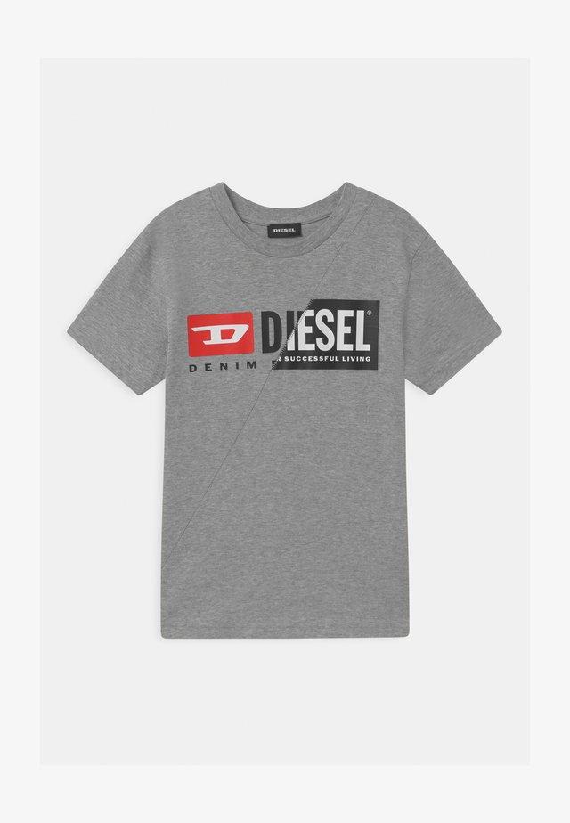 DIEGOCUTY MAGLIETTA UNISEX - Print T-shirt - grigio melange