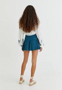 PULL&BEAR - Shorts - light blue - 2