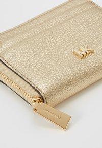 MICHAEL Michael Kors - Wallet - pale gold-coloured - 2