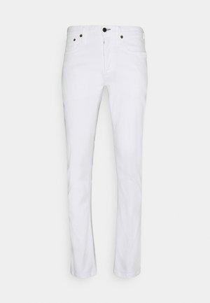 RAZOR - Jeans slim fit - white