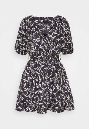 Denní šaty - navy floral