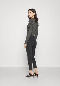 Pieces - PCLILI - Jeans slim fit - black denim - 2