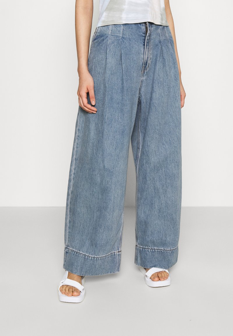 Monki - NANI PALAZZO - Straight leg jeans - blue medium dusty