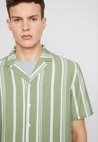 REVOLUTION - STRIPE - Shirt - green - 5