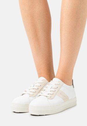 AVONA - Sneakers - white