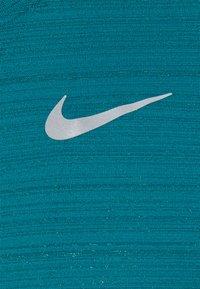 Nike Performance - MILER TANK - Funkční triko - blustery/silver - 2