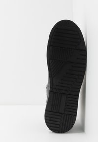 Kurt Geiger London - JACOBS TOP STUD - Sneakersy wysokie - black - 4