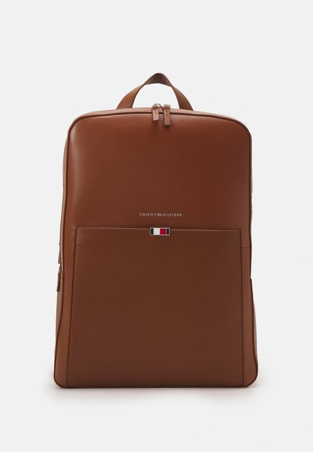 BUSINESS BACKPACK UNISEX - Batoh - brown