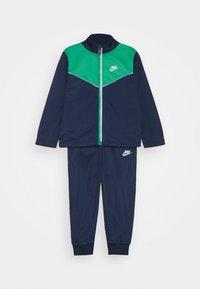 Nike Sportswear - 2 TONE ZIPPER TRICOT SET - Tracksuit - midnight navy - 0