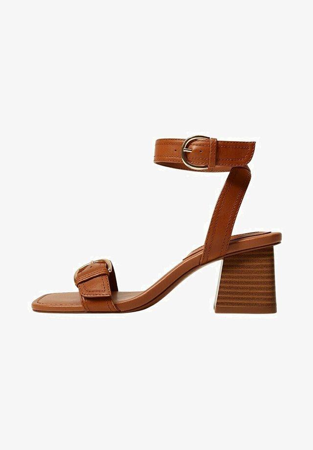 MORE - Sandały - halvbrun