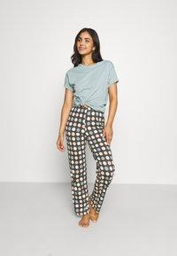 Marks & Spencer London - SPOT  - Pyjamas - aqua mix - 1