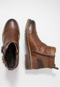 Dockers by Gerli - Cowboy/biker ankle boot - cognac - 1
