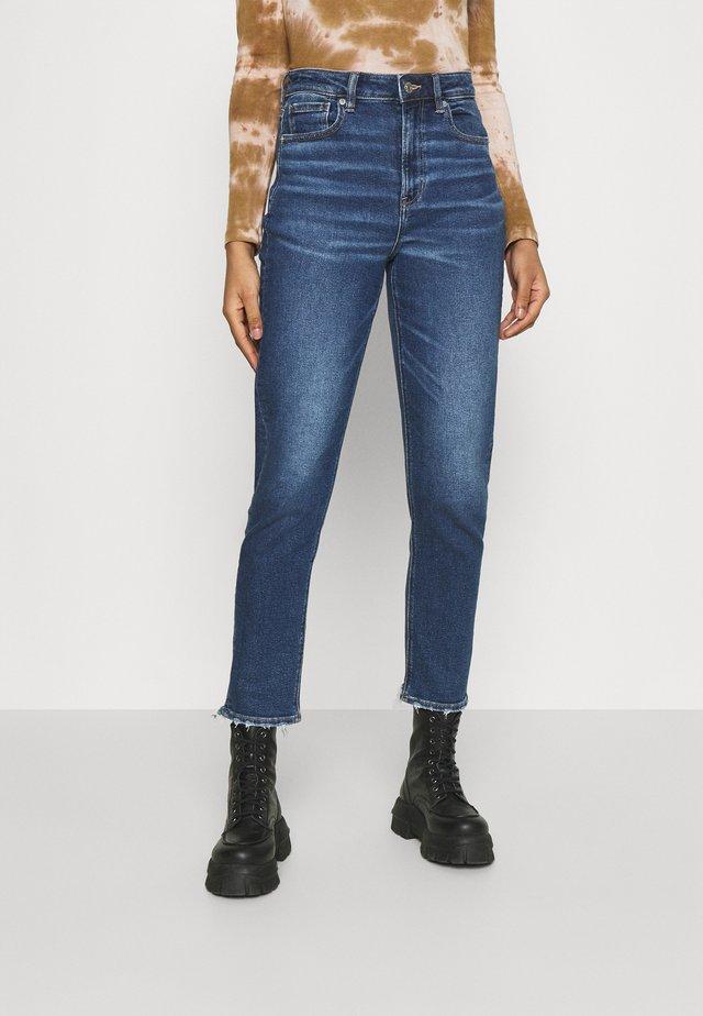 MOM  - Slim fit jeans - medium indigo