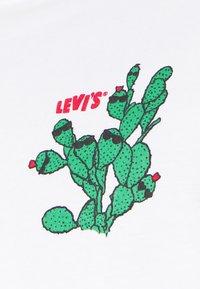 Levi's® - TEE - Print T-shirt - white - 5
