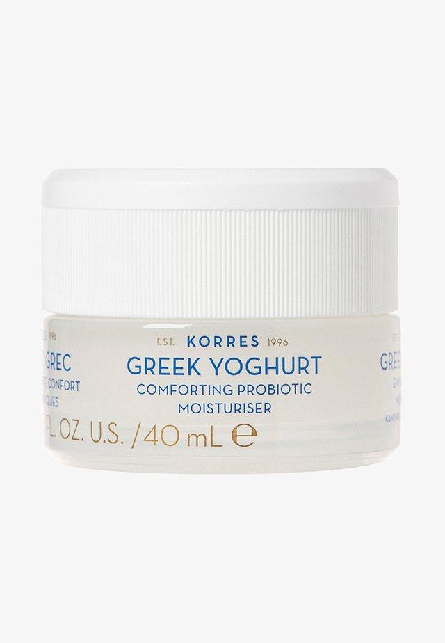 GREEK YOGHURT COMFORTING PROBIOTIC MOISTURIZER - Pielęgnacja na dzień - -