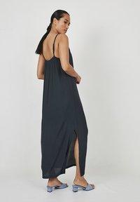 Dioxide - Maxi dress - antracita - 2