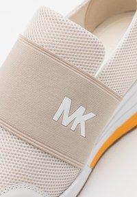 MICHAEL Michael Kors - FELIX TRAINER - Trainers - cream/multicolor - 6