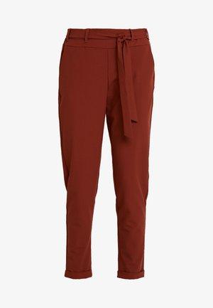 JILLIAN BELT PANT - Trousers - cherry mahogany