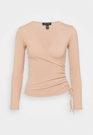 CARLY WRAP RUCHED SIDE - Langærmede T-shirts - camel