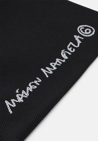 MM6 Maison Margiela - BORSA MANO - Shoppingveske - black - 6