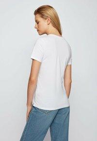 BOSS - ETIBOSS - Print T-shirt - white - 2