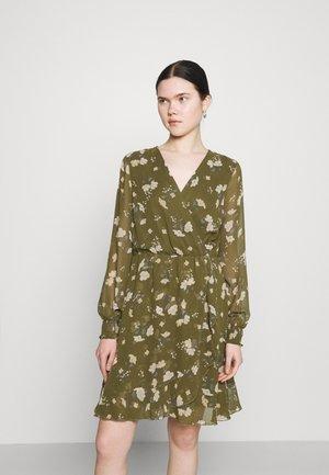 VMZALLIE WRAP DRESS - Day dress - ivy green/zallie