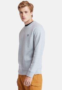 Timberland - EXETER RIVER BRUSHED BACK - Sweatshirt - medium grey heather - 3