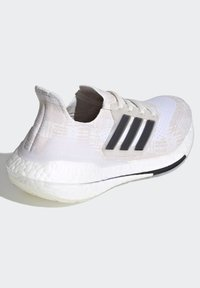 adidas Performance - Zapatillas de running estables - white - 3