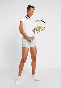 Lacoste Sport - TENNIS SHORT - Träningsshorts - silver chine - 1