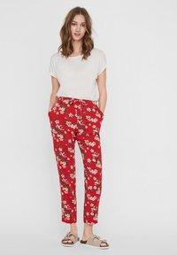 Vero Moda - Trousers - goji berry - 1