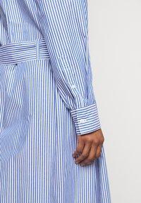 Maison Labiche - DRESS GOOD VIBE - Shirt dress - white/blue - 5