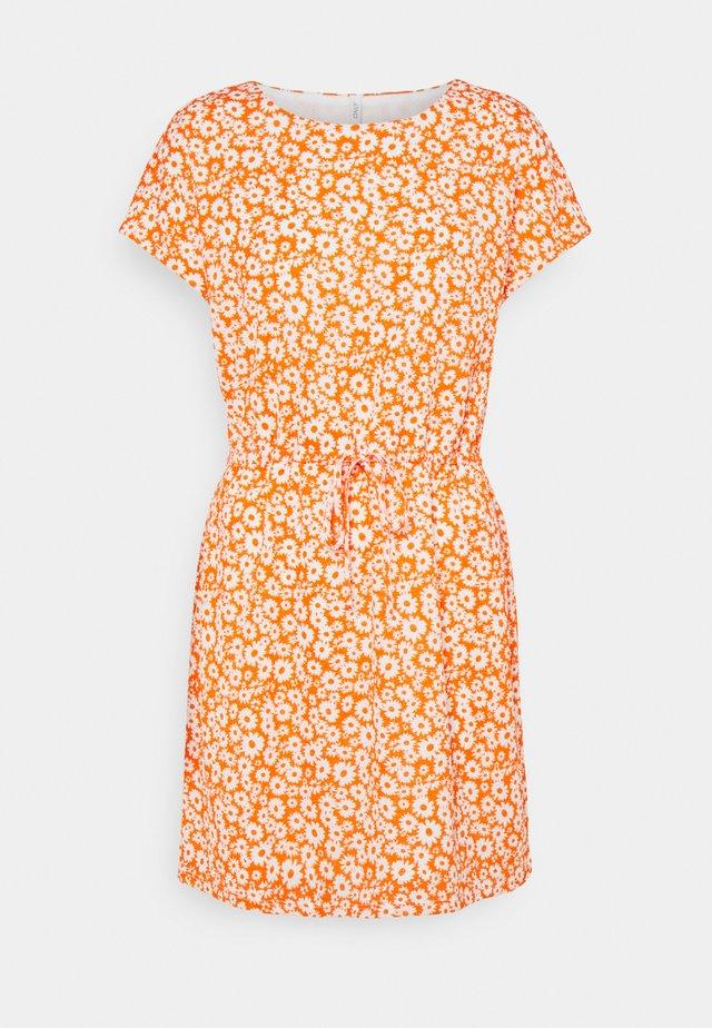 ONLPELLA MAY DRESS - Jerseykjole - koi