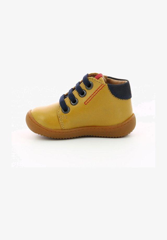 PITIO - Bottines à lacets - jaune
