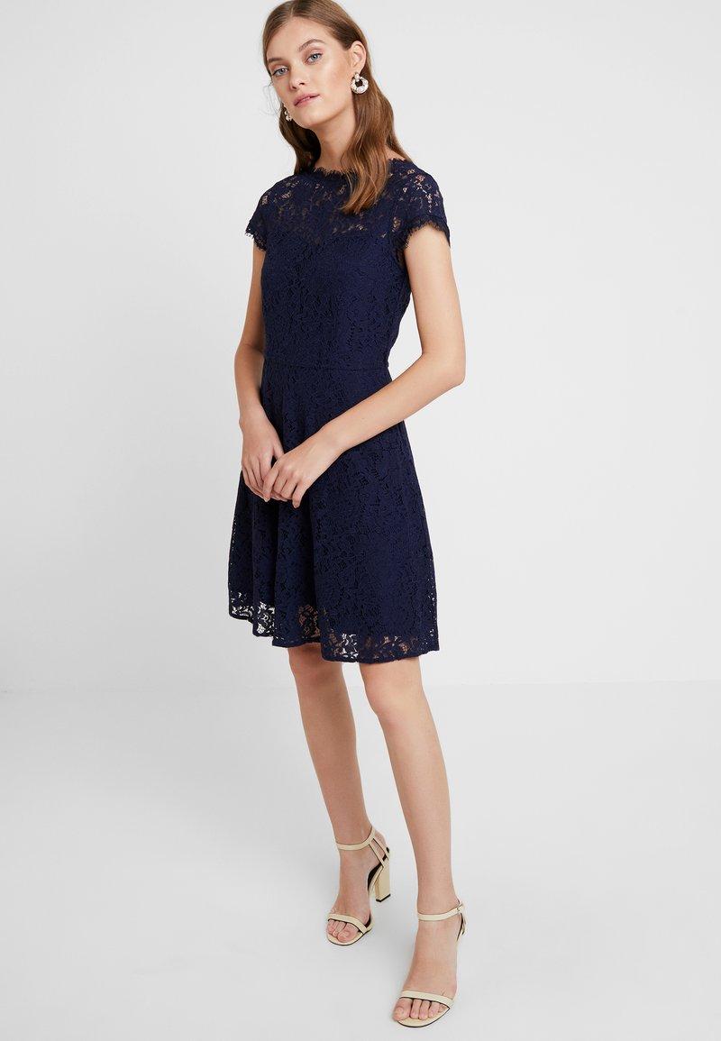 mint&berry Cocktailkleid/festliches Kleid - dark blue ...