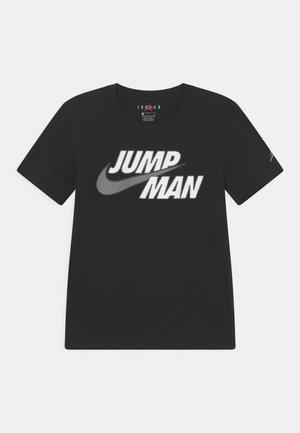 JUMPMAN STRONG - T-shirt z nadrukiem - black