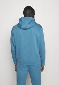 Nike Sportswear - CLUB HOODIE - Sweatshirt - dutch blue - 2