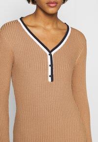 Morgan - MULLY - Jumper dress - camel - 5