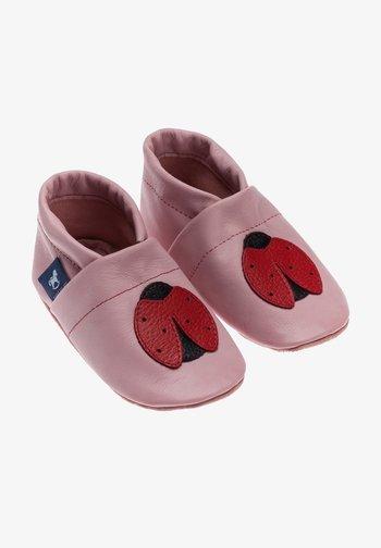MARIENKÄFER - First shoes - rosa / schwarz / rot