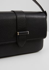 Decadent Copenhagen - HALEY HANDBAG - Kabelka - black - 2