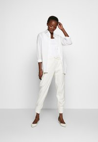 CLOSED - JADE - Trousers - white - 1