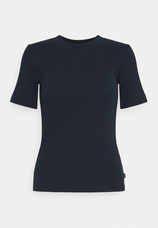 RIBBED TEE - T-shirt imprimé - sky captain