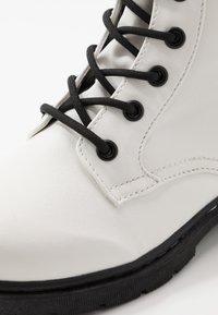 Kappa - DEENISH - Outdoorschoenen - white/black - 5