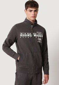 Napapijri - Zip-up sweatshirt - dark grey solid - 0
