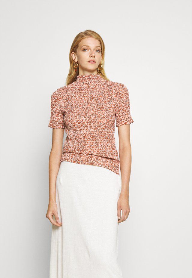MICRO FLORAL SMOCKED - Camicetta - off white/rust
